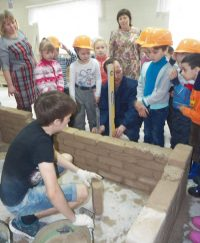 Вот вырастем – и сами построим детский сад!
