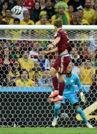 «Стоимость билетов на ЧМ по футболу в России будет ниже, чем в Бразилии», –констатирует министр спорта РФ Виталий Мутко.