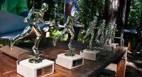 Фирменный приз этих соревнований – фигурка бегущего человека.Фото: nachschool.ukoz.com
