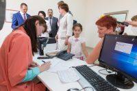 После открытия новой поликлиники родителям не надо ездить по городу с детьми, чтобы пройти осмотр узкого специалиста или сдать анализы.Фото Максима ВАСИЛЬЕВА