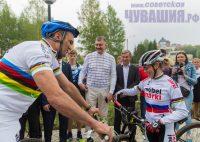 Глава республики и прославленная чемпионка остались довольны новым центром. Фото Максима ВАСИЛЬЕВА