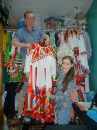 Правая рука и в жизни, и в творчестве – супруга, балетмейстер ансамбля Ольга Алимова.Фото автора