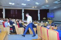 Руководителям предприятий уверенности в шаге придают в том числе и долгосрочные заказы с «оборонкой» и «железкой».Фото Олега МАЛЬЦЕВА