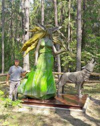 Эта скульптура простоит в национальном парке не меньше трех лет, рассчитывает ее автор.Фото из личного архива Андрея МОЛОКОВА