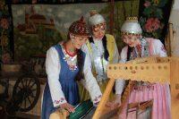 «Звезды» нынче решились поучаствовать также в фотоконкурсе «Самая красивая страна», проводимом Русским географическим обществом. Одна из фотографий ансамбля, участвующая в номинации «Народы России». Итоги будут известны в конце года.