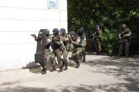 Еще несколько минут – и «заложники» будут освобождены.Фото МВД по Чувашии