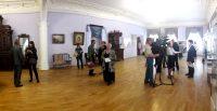 Залы, где Ефремовы жили и принимали гостей, теперь принимают зрителей посвященной им выставки.Фото автора