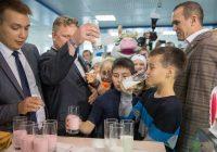 Более 6 тонн молочной продукции было выпито и съедено на Фестивале молока.Фото Максима ВАСИЛЬЕВА