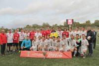 Звезды российского футбола (в красных и желтых цветах) с удовольствием сфотографировались с нашими ребятами.Фото предоставлены командой «Восток»