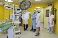 Благодаря поддержке коллег из федерального центра врачи республики расширят уже имеющиеся возможности оказания пациентам специализированной и высокотехнологичной медицинской помощи.Фото cap.ru