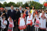 Неповторимое очарование празднику придавали дети.Фото cap.ru