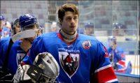 Михаил Фофанов обещает освоить еще несколько эффектных прыжков на льду.Фото ХК Чебоксары