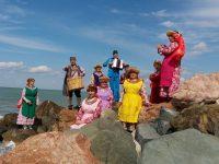 Участники ансамбля успели побывать в Ялте, Алуште, Алупке, Бахчисарае, Симферополе и Евпатории.