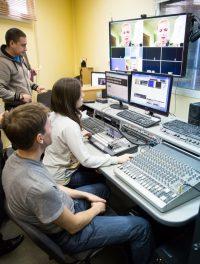 Первая программа телеканала вышла в эфир 17 октября 2011 года.Фото Максима ВАСИЛЬЕВА