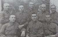 Молодые воины из Чувашии, служившие накануне войны в 333-м стрелковом полку. Фотокопия из газеты «Советская Чувашия» от 2.05.2000 г.