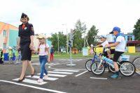 Благодаря открывшемуся этим летом в Чебоксарах автогородку воспитанники детсада № 78 «Колосок» уже знают правила дорожного движения.Фото МВД по Чувашии