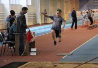 Спортшкола № 3 Новочебоксарска стала площадкой для республиканских соревнований по легкой атлетике среди юношей и девушек.Фото cap.ru
