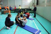 Чтобы получить золотой значок ГТО, упражнение «поднимание туловища из положения лежа на спине» надо выполнить 47 раз за минуту (норматив для девушек 18-24 лет).Фото cap.ru