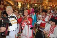 Чувашские ансамбли вовлекли в «Улах» всех посетителей музея.Фото kraeved.museum-penza.ru