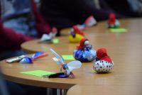 Кроме заветных ключей новоселам вручили куклы-обереги – символ крепкой семьи и надежного дома. Фото cap.ru