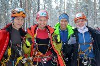 Из-за перепадов высот в Лыткаринском карьере нашим парням приходилось бегать по льду, проваливаться в лужи, преодолевать сугробы. Фото www.cap.ru