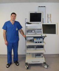 Эндоскопическое оборудование по удалению грыжи позвоночника позволяет врачу-нейрохирургу Андрею Першину оперировать пациентов в любом возрасте и с практически любой клинической картиной заболевания.Фото Федерального центра травматологии и ортопедии