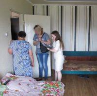 Около килограмма наркотиков было изъято в квартире по улице Ахазова, которую супруги, игравшие не последнюю роль в преступной схеме, снимали в Чебоксарах.