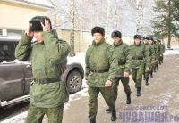 В Президентском полку ребят ждет и боевая служба, и церемониалы. Сегодня ваш сын может нести службу на территории Кремля, завтра – участвовать в параде боевых искусств в Германии. Фото Олега МАЛЬЦЕВА
