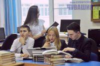 Кто усердно учился в школе – сдаст ЕГЭ без репетиторов, утверждают в Минобразовании. Фото Олега МАЛЬЦЕВА
