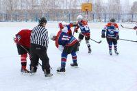 В течение дня шел снег, но это не помешало участникам турнира показать отличную игру.