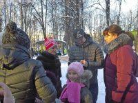 Некоторые поклонники чемпионов специально пришли в парк за автографами.Фото: forum.na-svyazi.ru