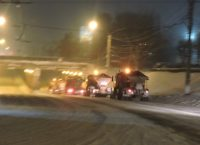Снегоуборочная техника первой вышла на городские магистрали.Фото cap.ru