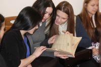 В ходе опроса студентов сотрудники ЗАГСа выяснили, что большинство мечтает создать семью по любви, к выбору второй половинки отнесется серьезно и ответственно.Фото cap.ru
