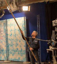 Владимир Синдеев: подготовка к студийным съемкам также входит в обязанности операторов.