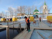 У Свято-Троицкого мужского монастыря любителей крещенских купаний ждут четыре купели.Фото cap.ru