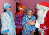 Не только к детям приходит Дед Мороз.Фото cap.ru