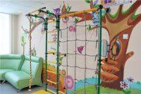 Для многих маленьких пациентов игровой спортивный уголок стал любимым местом отдыха.