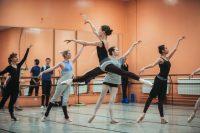 Европа позади, впереди – репетиции и новые спектакли на родной сцене. Фото Максима Васильева