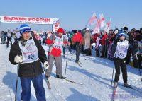 Обратите внимание, каждый лыжник экипирован как положено.Фото Олега МАЛЬЦЕВА из архива редакции
