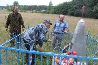 Работники парка «Чаваш вармане» и жители поселка Муллиная взяли обелиск под свою опеку.