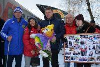 Тренер Кристины Сергей Смирнов (слева), родные и многочисленные болельщики ни на минуту не сомневались в ее победе.Фото cap.ru