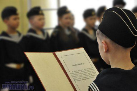 Как и в армии, в обучении патриотов тоже все должно быть по уставу.Фото Олега МАЛЬЦЕВА из архива редакции