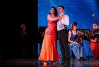 Юрий Катков и Маргарита Финогентова в новой сольной программе певца «Будь со мной».Фото Александра ХАРИТОНОВА
