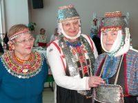 Многие женские наряды были украшены монетами царских времен.Фото cap.ru