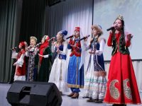 Стихи чувашского поэта на свои родные языки перевели учащиеся Многонациональной воскресной школы г. Казани.