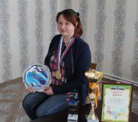 По словам коллег из Чувашпотребсоюза, Алена Никитина трудится в райпо чуть больше года и своей активной жизненной позицией подает пример коллегам.Фото cap.ru
