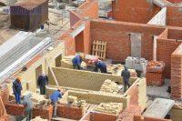 Восстановить темпы строительства жилья поможет доступная ипотека и государственная поддержка.Фото Олега МАЛЬЦЕВА из архива редакции