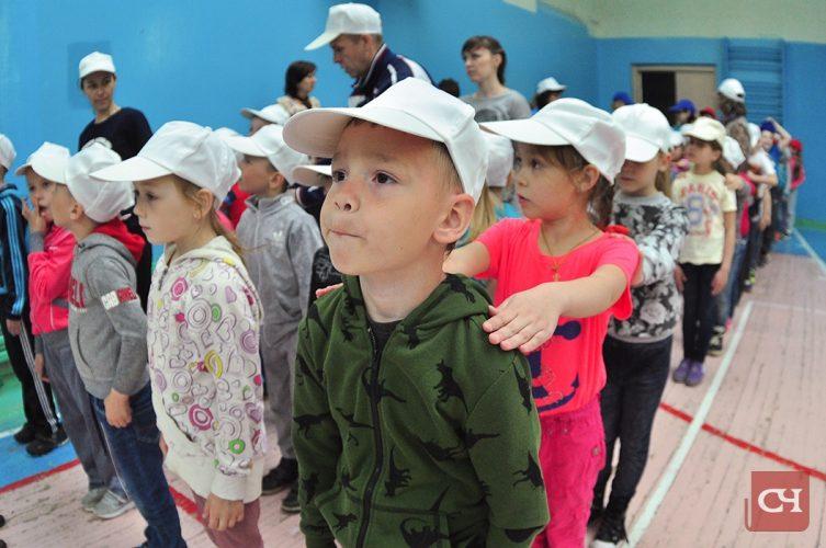 Главные зрители для малышей — мамы, папы, бабушки и дедушки.Фото Олега Мальцева