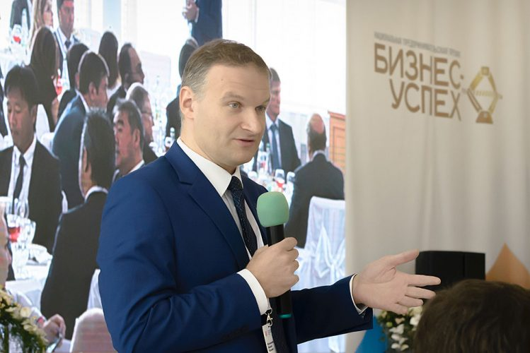 Михаил Матовников посоветовал бизнесменам попробовать наладить экспорт в Юго-Восточную Азию, Африку, Латинскую Америку.