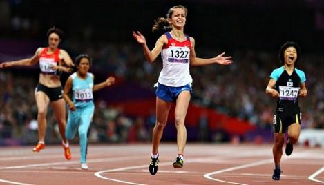 Двукратная чемпионка мира по легкой атлетике среди спортсменов с поражением опорно-двигательного аппарата чебоксарка Елена Иванова в своей соревновательной группе одержала победу на Паралимпийских играх в столице Британии.